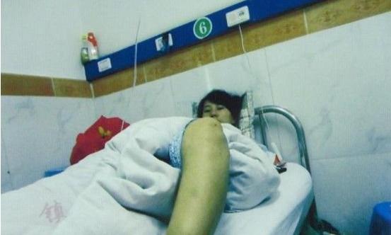 安康/网传安康孕妇遭强制引产,婴儿尸体躺在孕妇身旁。
