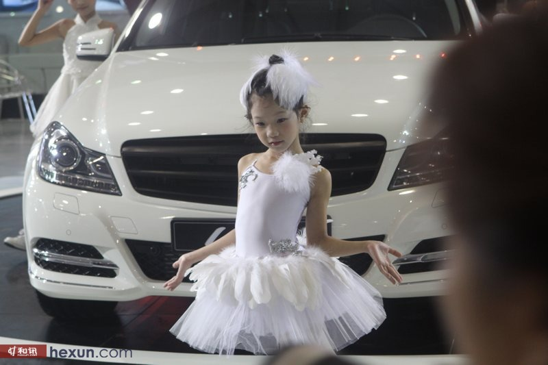 萝莉/2012成都车展超萌萝莉小车模(2/36)