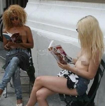 纽约女孩街头裸体读书【组图】 - 深瞳渊源 - 深瞳渊源,品味经典!!!