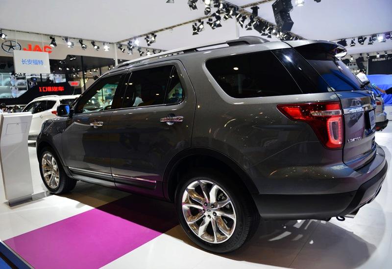 2013款福特探险者亮相成都车展 售价48.98万起