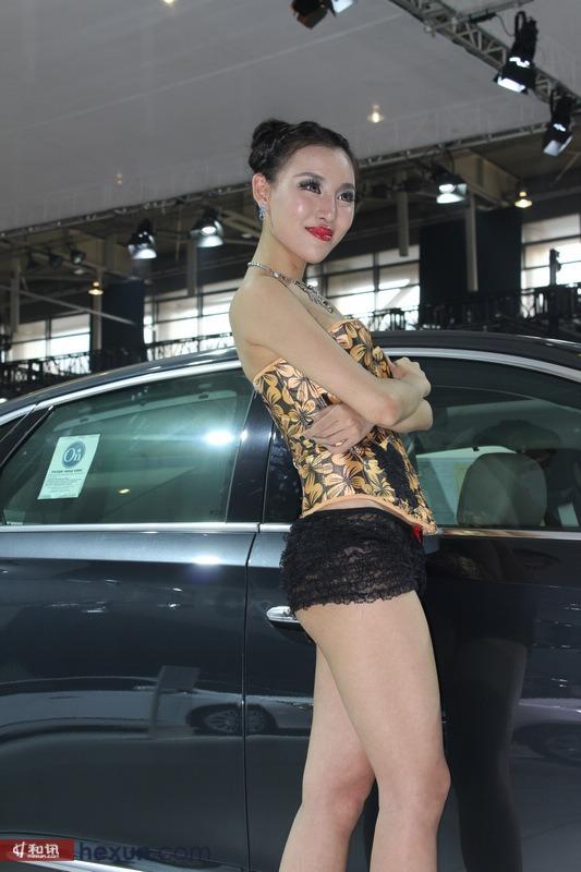 美女车模蕾丝透明短裤风情万种