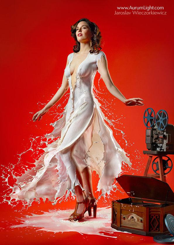 国外美女模特的创意牛奶衣服组图