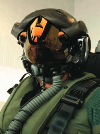 组图:俄罗斯军工推出类f-35战机专用科幻造型头盔